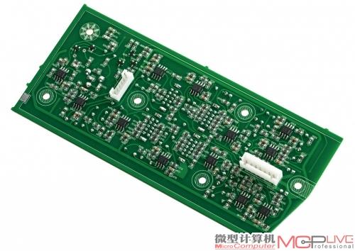 从入门级产品到专业的监听音箱,惠威几乎都采用了电子分频技术,x6